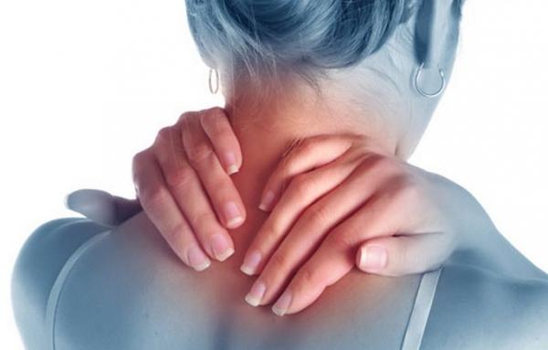Photo of Простые домашние упражнения от боли в шее и в плечах